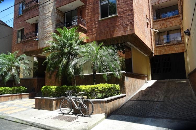 house_124_17.jpeg.slide