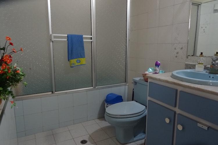 house_129_12.jpeg.slide