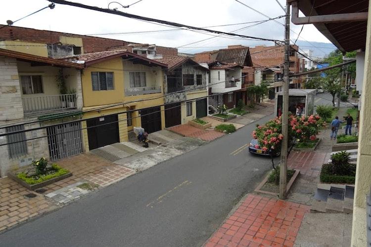 house_12_8.jpeg.slide