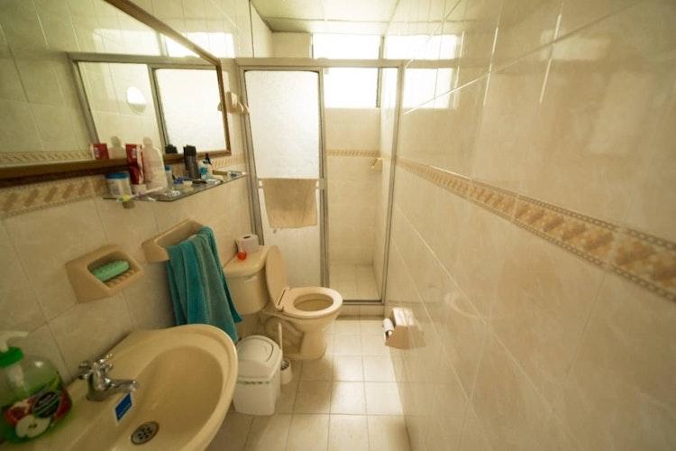 house_18_4.jpeg.slide