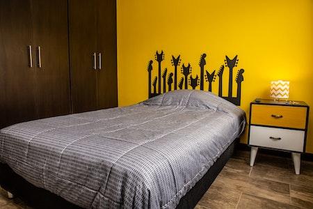 room_1278_0_201979225149.jpegslide