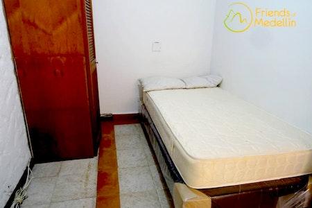 room_20_0_201962816735.jpegslide