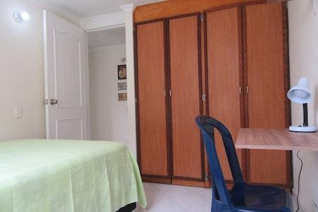 room_251_1.jpegslide