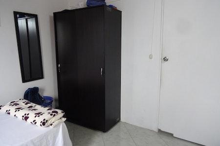 room_277_3.jpegslide