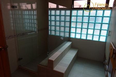 room_290_3.jpegslide