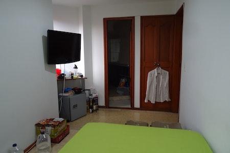 room_394_1.jpegslide
