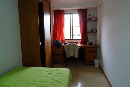room_404_0.jpegslide