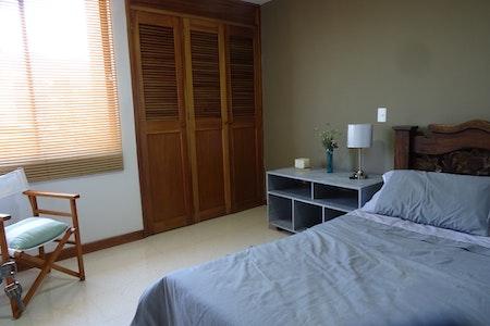 room_462_1.jpegslide