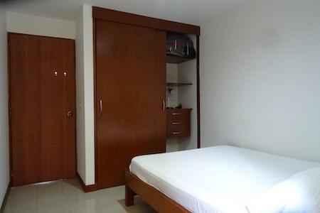 room_465_1.jpegslide