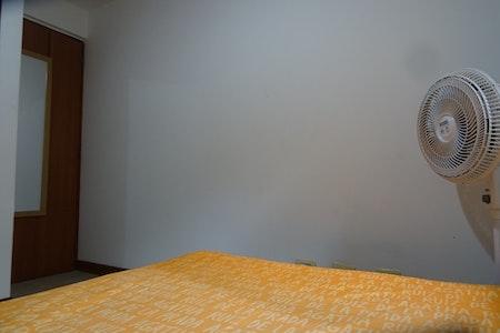 room_466_3.jpegslide