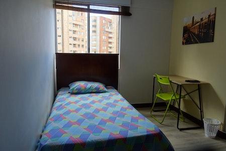 room_472_0.jpegslide