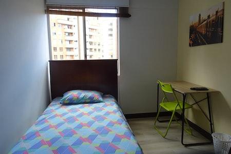 room_472_1.jpegslide