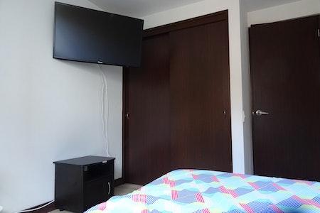 room_472_3.jpegslide