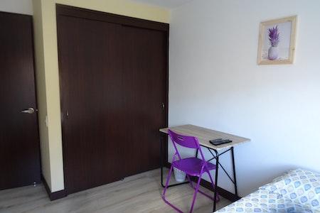 room_473_1.jpegslide