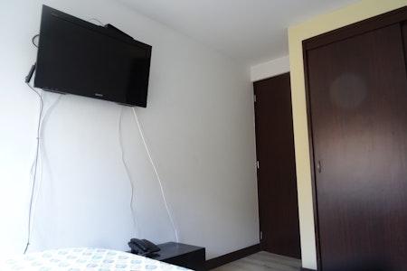 room_473_2.jpegslide