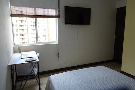 room_474_3.jpegslide