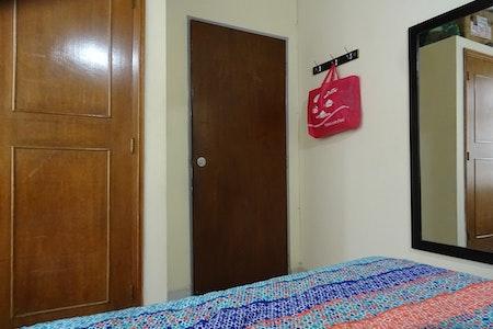 room_476_4.jpegslide