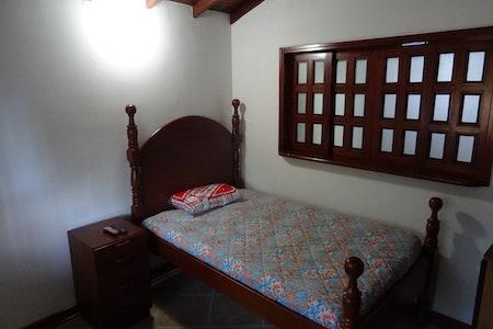 room_493_1.jpegslide