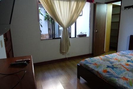 room_494_3.jpegslide