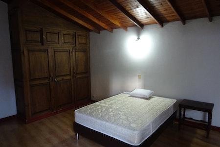 room_496_2.jpegslide