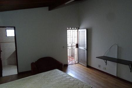 room_496_4.jpegslide