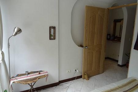 room_527_9_2018913221630.jpegslide