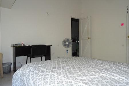 room_823_4_2019129102936.jpegslide