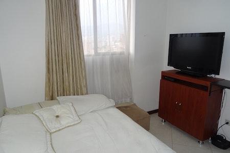 room_900_1_20193893552.jpegslide