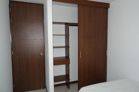 room_900_2_20193893552.jpegslide