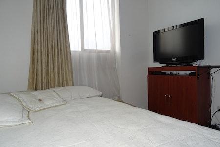 room_900_4_20193893552.jpegslide